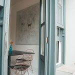 Защо да изберете блиндирана врата със стъкло?