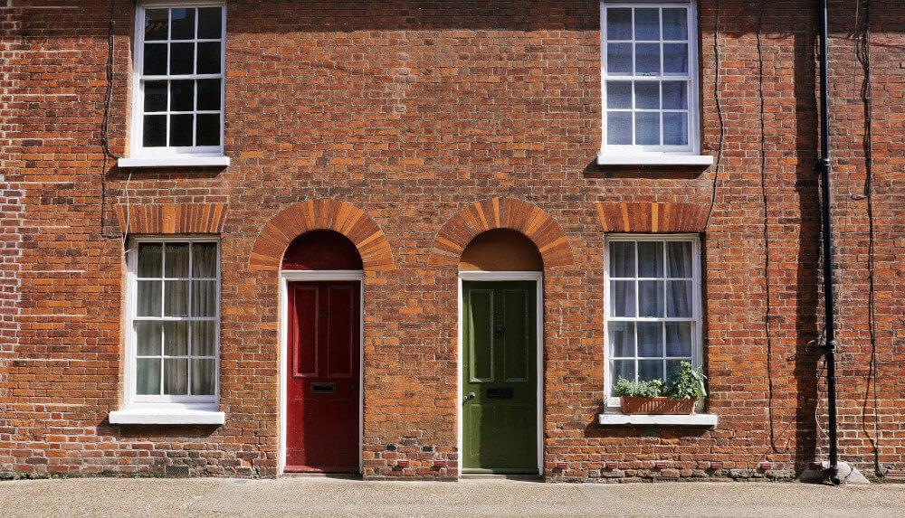 Червена и зелена врата
